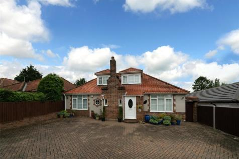 Watford Road, St. Albans, Hertfordshire, AL2. 3 bedroom bungalow