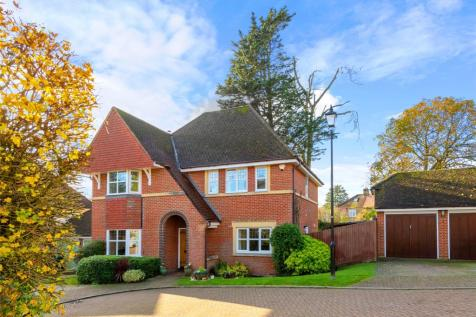 The Fairways, Redhill, RH1. 4 bedroom detached house for sale