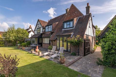 Dayseys Hill, Outwood, Redhill, Surrey, RH1. 5 bedroom detached house for sale