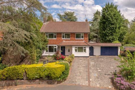 Brokes Crescent, Reigate, Surrey, RH2. 4 bedroom detached house for sale