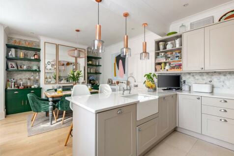 Grovehill Road, Redhill, Surrey, RH1. 4 bedroom semi-detached house for sale