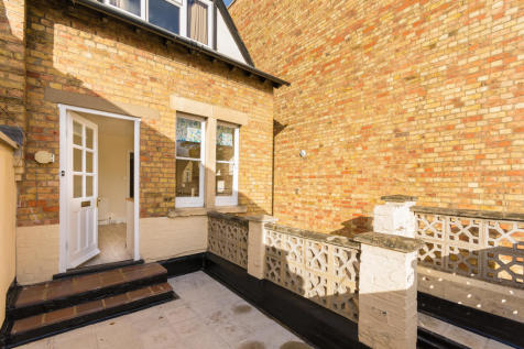 South Parade, Summertown, OX2. 2 bedroom apartment