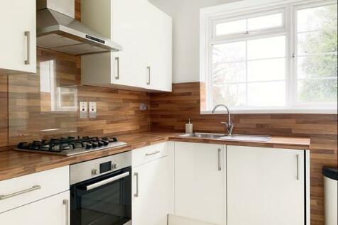 Oaklands, Argyle Road, Ealing, W13. 4 bedroom flat