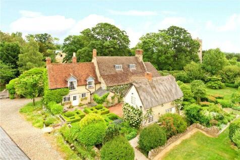 Stratford Road, Cosgrove, Milton Keynes, Northamptonshire, MK19. 6 bedroom detached house for sale