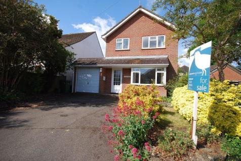 Saltwood. 3 bedroom detached house