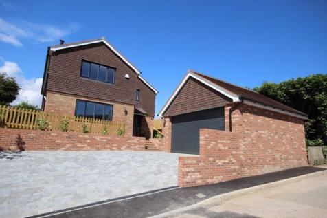 Hythe/Saltwood. 4 bedroom detached house