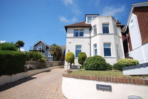 Hythe. 5 bedroom detached house