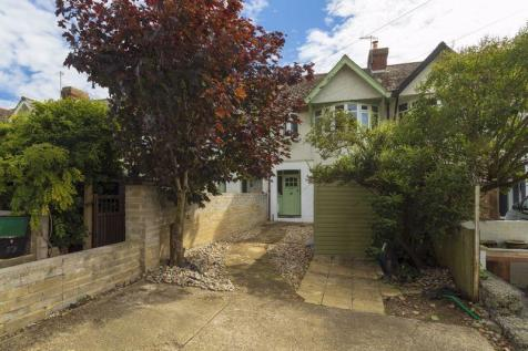 Hythe. 3 bedroom terraced house