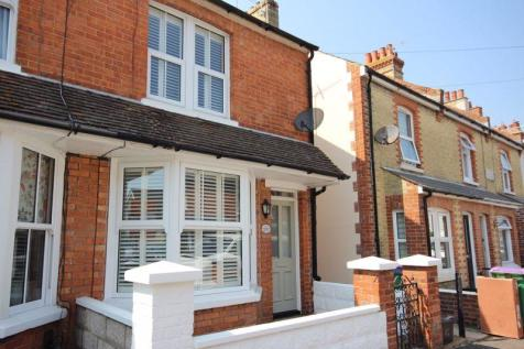 Hythe. 2 bedroom terraced house