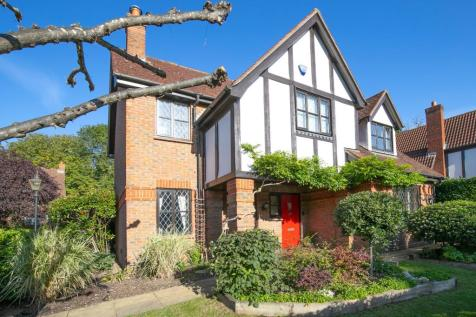 High Road, Loughton, Essex, IG10. 4 bedroom detached house for sale