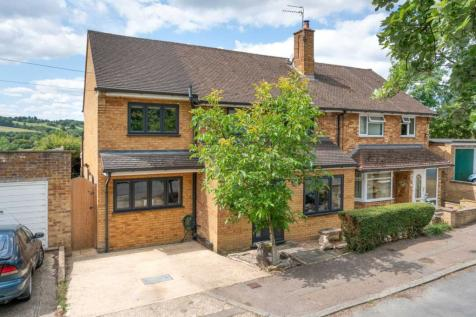 4 DOUBLE BED WITH GREAT VIEW IN Musk Hill, CHAULDEN, HP1. 4 bedroom semi-detached house
