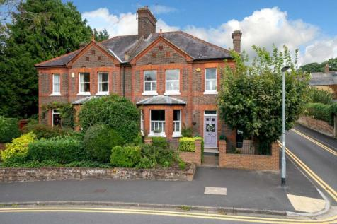 Alexandra Road, Hemel Hempstead. 4 bedroom semi-detached house