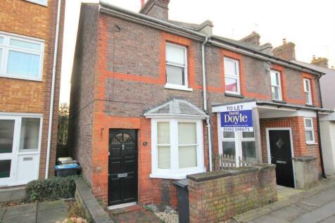 St Johns Road, Boxmoor. 2 bedroom cottage
