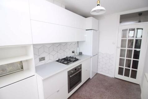 Melrose Court, Penhill Road, Cardiff. 2 bedroom apartment