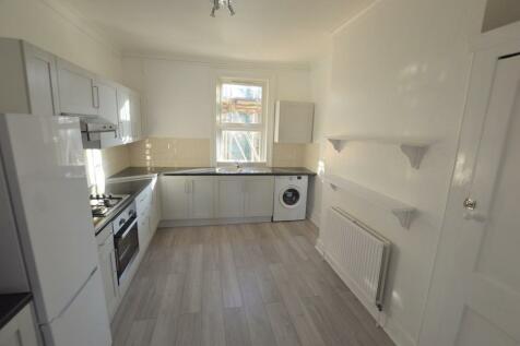 Mackenzie Road, Beckenham. 2 bedroom flat