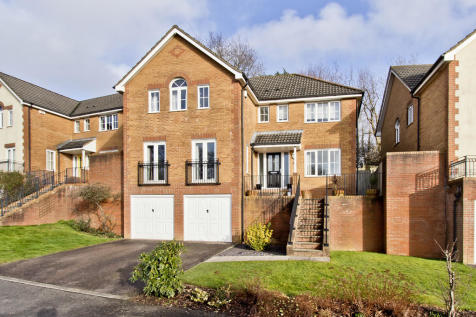 Lincoln Way, Crowborough. 4 bedroom detached house for sale