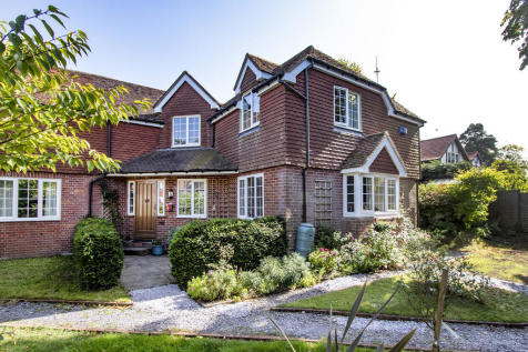 Fielden Road, Crowborough. 3 bedroom mews house for sale
