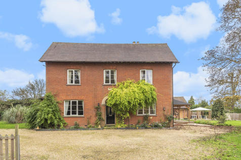 The Grove, Houghton Conquest, MK45. 5 bedroom detached house for sale