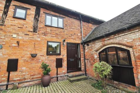 Tudor Court, Church Lane, Exhall. 3 bedroom barn conversion
