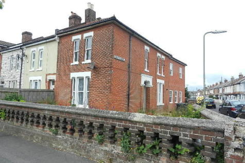 Gordon Road, Gosport, Hampshire, PO12. 2 bedroom end of terrace house