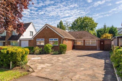 Woodstock Drive, Ickenham. 3 bedroom detached bungalow