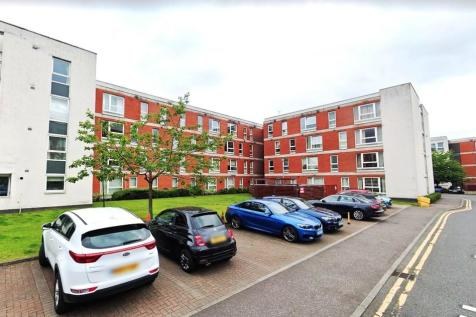 Hanson Park, E-Dennistoun. 2 bedroom ground floor flat