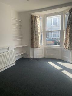 Argyle Road, Brighton. 1 bedroom flat