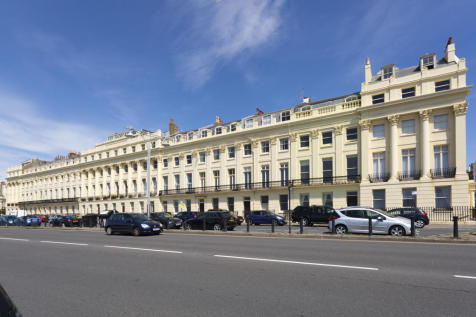 Brunswick Terrace, Hove. 2 bedroom apartment