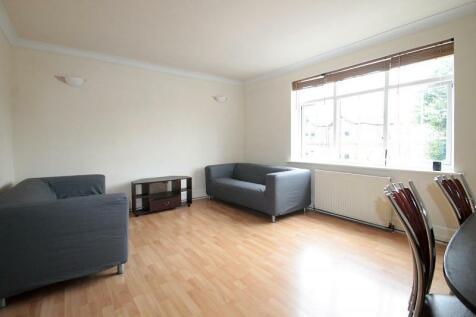 St. James Road, Sutton. 2 bedroom flat