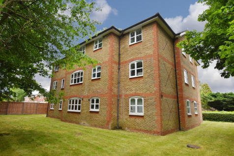 Badgers Court, Foxlands Close. 2 bedroom apartment