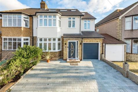 Grey Towers Avenue, Hornchurch, RM11. 5 bedroom semi-detached house for sale