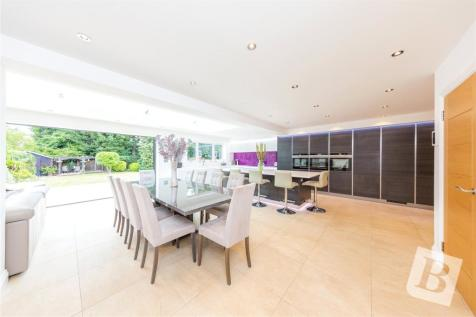 Harrow Drive, Hornchurch, RM11. 4 bedroom detached house for sale