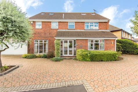 Wakerfield Close, Emerson Park, RM11. 7 bedroom detached house for sale