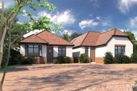 Maywin Drive, Hornchurch, RM11. 3 bedroom detached bungalow for sale