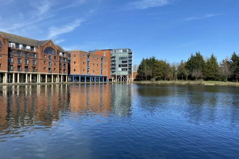 City Wharf, Atlantic Wharf, Cardiff Bay, Cardiff, CF10. 2 bedroom flat