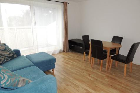 Wood Vale, Forest Hill, London, SE23. 3 bedroom flat
