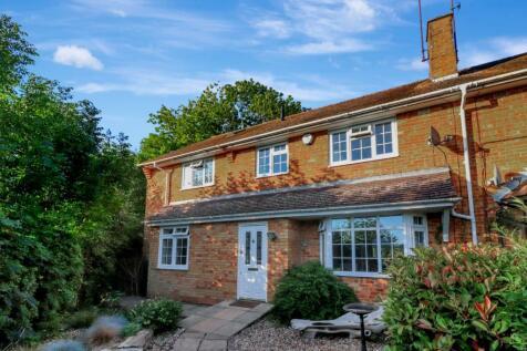 Hemel Hempstead, Hertfordshire, HP1. 5 bedroom semi-detached house