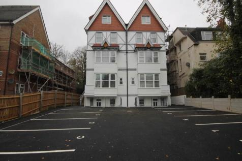 Fernwood Court, Christchurch Road, Boscombe. 2 bedroom flat