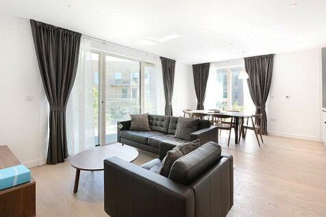 Tyler Court, New Paragon Walk, London, SE17. 2 bedroom flat
