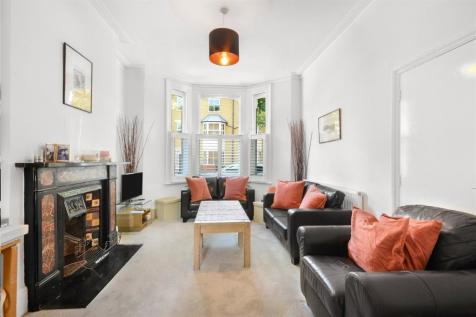 Searles Road, Elephant & Castle, London, SE1. 5 bedroom terraced house for sale
