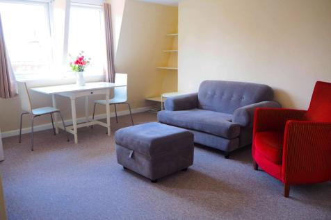 New King Street, Bath. 2 bedroom flat