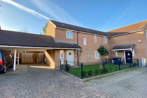 Eversley Close, Loughton, IG10. 3 bedroom semi-detached house