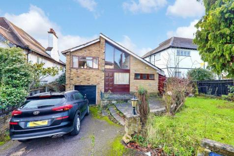 The Avenue, Loughton, IG10. 4 bedroom detached house for sale