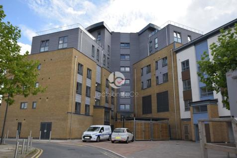 Colne View, Colchester. 2 bedroom apartment