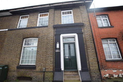 Barrack Street, Colchester. 3 bedroom terraced house