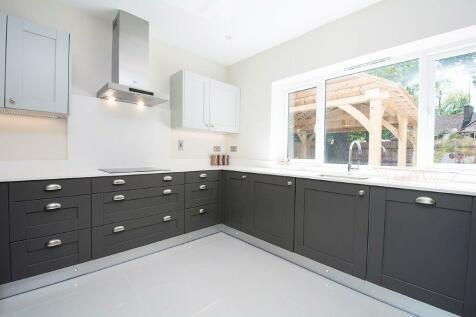 Queens Road. 3 bedroom detached bungalow for sale