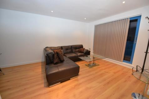 Westgate Apartments, Western Gateway, Royal Docks - E16 1BJ. 2 bedroom apartment