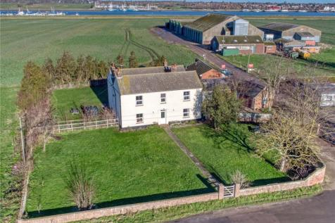 Wallasea Island, Rochford, Essex. House for sale