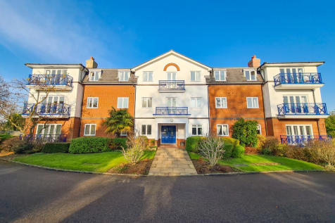 The Larches, East Grinstead. 3 bedroom apartment