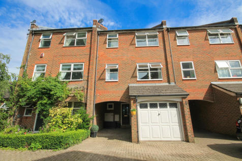 Manning Close, East Grinstead. 4 bedroom town house for sale